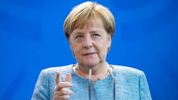 """Merkel bewertet AfD-Äußerungen """"extrem kritisch"""""""