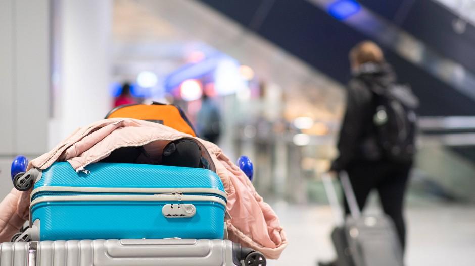 Drei Jahre lang, lebte Daniela am Frankfurter Flughafen aus zwei Koffern (Symbolbild).