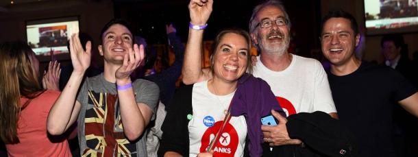 """Glückliche Unterstützer der """"No""""-Kampagne in Glasgow: Schottland bleibt wohl beim Vereinigten Königreich"""