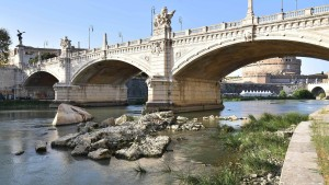 Rom muss nachts den Wasserdruck reduzieren