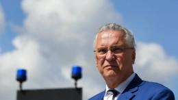 """Herrmann prüft """"rasche"""" Abschiebung"""