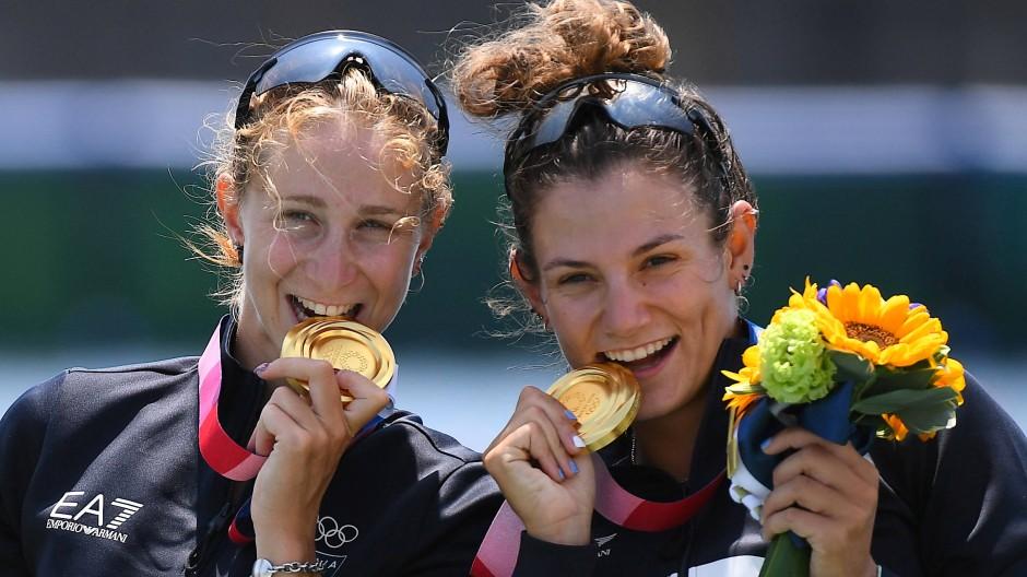 Gold: Valentina Rodini (links) und Federica Casarini, italienische Ruderinnen