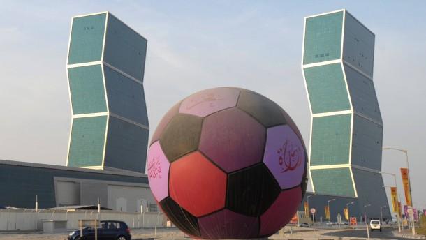 Interner Bericht prangert Missstände auf WM-Baustellen an