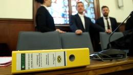 Mutmaßlicher BVB-Bombenleger steht vor Gericht