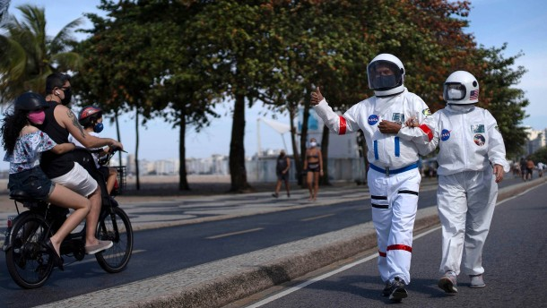 Astronauten an der Copacabana