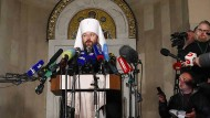 Metropolit Ilarion erklärt der Presse, warum die russisch-orthodoxe Kirche den Kontakt zu Konstantinopel abgebrochen hat.