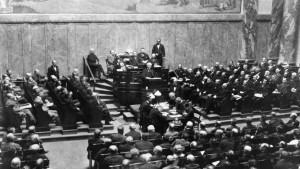 Protest gegen Versailler Vertrag wird lauter