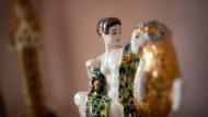 Fließende Formen, betörende Farben: Porzellanfigur aus der Jugendstil-Sammlung Neess