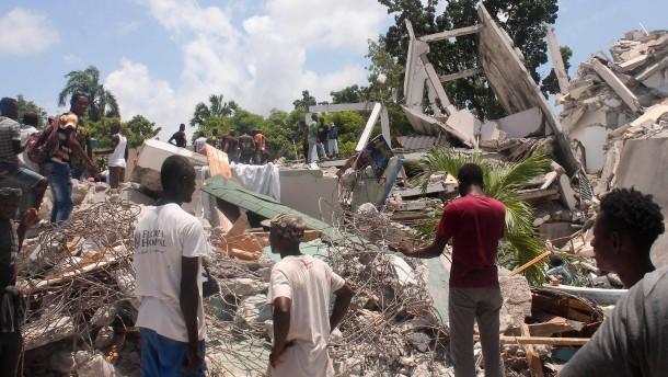 """Tropensturm """"Grace"""" könnte am Montag auf Haiti treffen"""