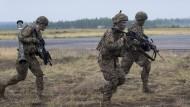 Nato warnt vor russischer Aufrüstung an Grenzen