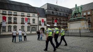 Mutmaßlicher IS-Terrorist nach Deutschland überstellt