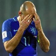 Vollkommen ratlos: Kapitän Arjen Robben nach der Niederlage der Niederlande in Bulgarien