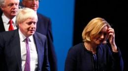 Rücktritt aus Protest gegen Premierminister Johnson