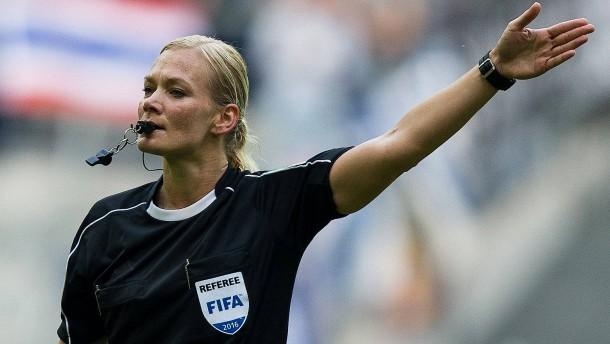 Bibiana Steinhaus ist bereit für die Bundesliga