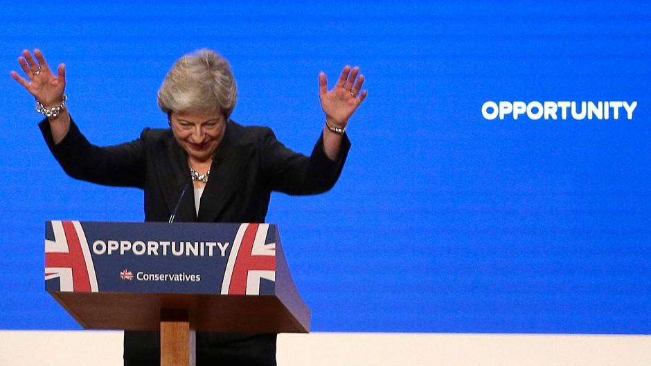 Theresa May geht gestärkt aus der Parteitagssaison hervor.