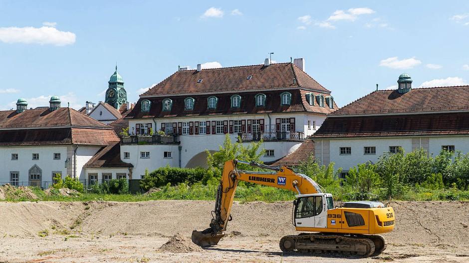 Baubeginn: Auf dem Gelände am Sprudelhof haben die Arbeiten begonnen.