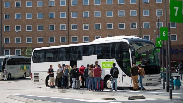 Sind Busse besser für das Klima als die Bahn?