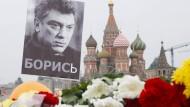 Unbekannte beseitigen Nemzow-Gedenkstätte
