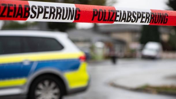 Zwei Tote nach Polizei-Einsätzen