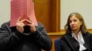 In Handschellen: Niels H. am Donnerstag im Gerichtssaal