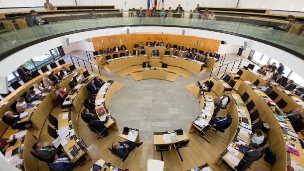 Gelb-Rote Karte gegen Beleidigungen im Landtag