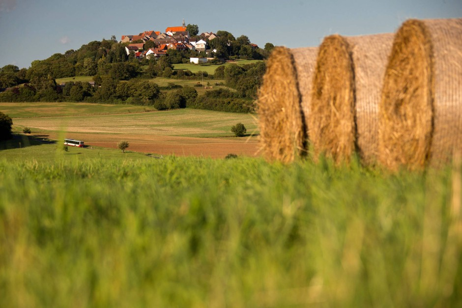 """Hier lebt es sich, ganz in Hölderlins Sinn, """"freudig"""": Das Vogelsbergdorf Stornfels, das politisch zur Gesamtgemeinde Nidda und zum Wetteraukreis gehört."""
