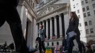 Banken schütten zu viel Geld aus