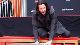 Keanu Reeves verewigt sich auf Hollywood Boulevard