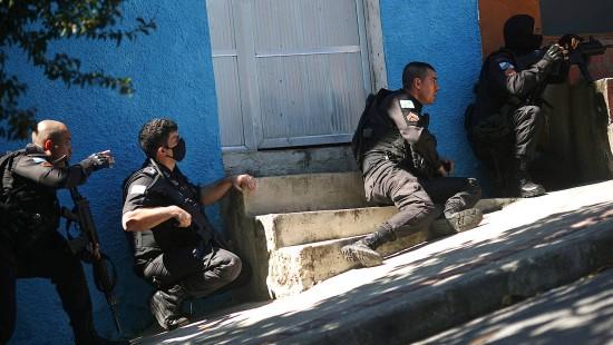 Brasiliens Polizei nimmt mehr als 400 Personen fest