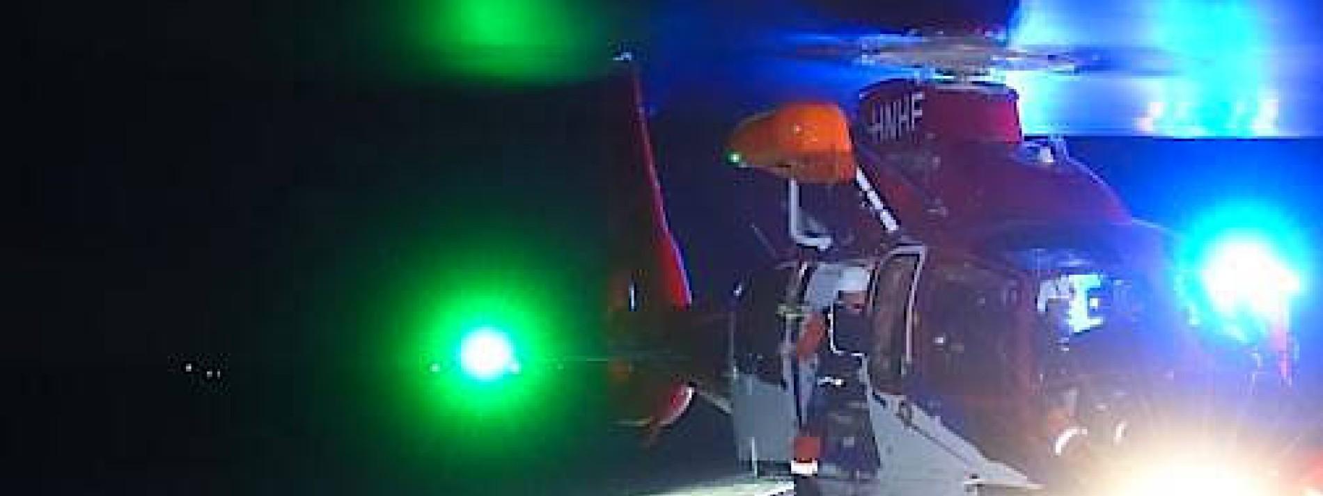 Havarierte Männer von Hubschrauber aus Watt gerettet