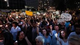 Zahlreiche Proteste gegen Trumps Einwanderungspolitik