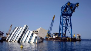 Besatzungsmitglieder und Krisen-Manager zu Haftstrafen verurteilt