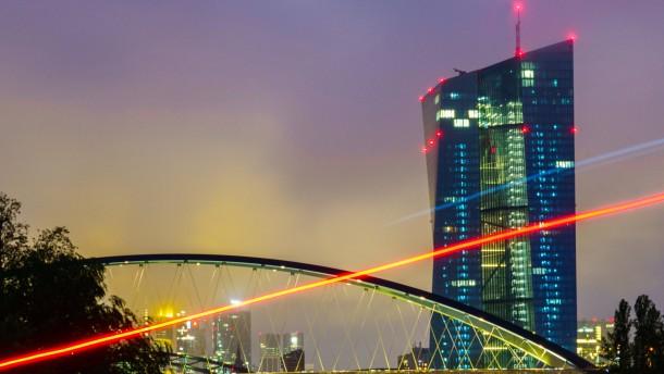 Karlsruhe stellt der EZB keinen Freifahrschein aus
