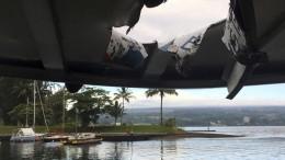 """""""Lava-Bombe"""" schlägt Loch in Bootsdach"""