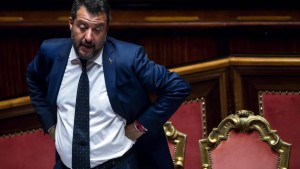 Salvini stürzt die Regierung in die Krise