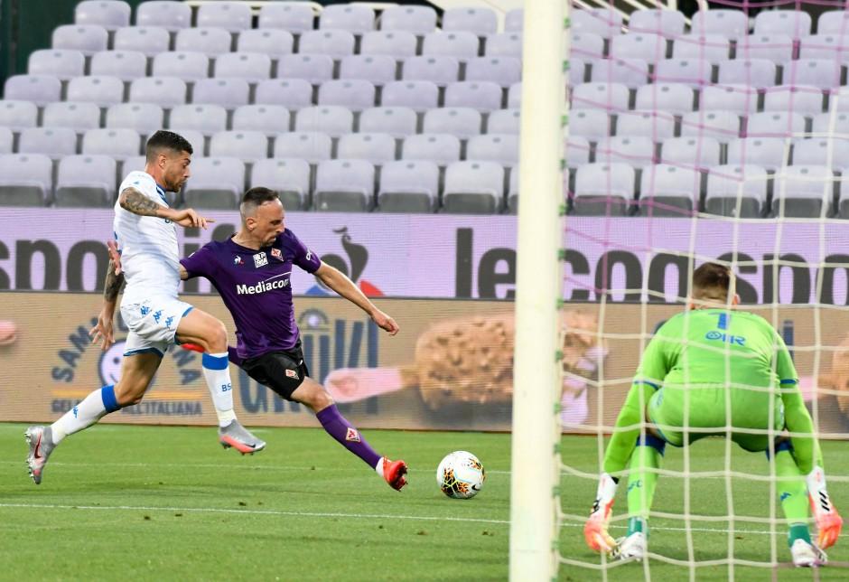 Frank Ribery traf in der 51. Minute – doch wegen einer Abseitsstellung zählte das Tor nicht.