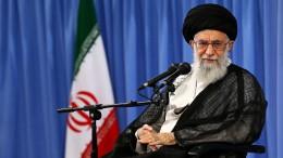 Chamenei gibt Ausland die Schuld
