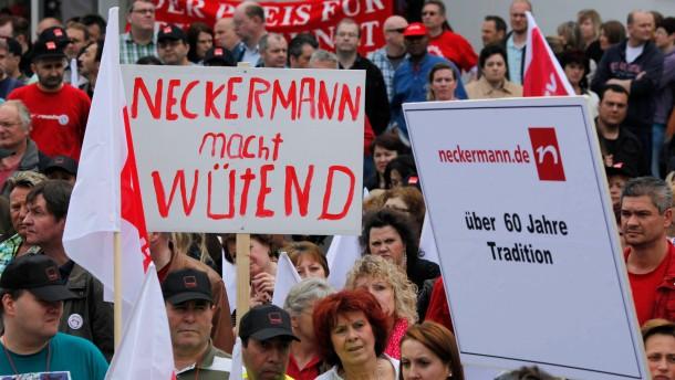 Neckermann-Betriebsrat bittet Land um Hilfe