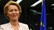 Die deutsche Verteidigungsministern Ursula von der Leyen im europäischen Parlament in Straßburg. Sie will die Abgeordneten davon überzeugen, sie zur Kommissionspräsidentin zu wählen.