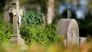 Rätsel um gut erhaltene Friedhofsleiche gelöst