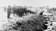 Hölle auf Erden: Zu den grausamsten Massenverbrechen während des Vernichtungskrieges des NS-Regimes zählt das Massaker von Babi Jar bei Kiew am 29. und 30. September 1941.