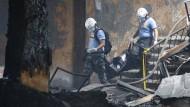 Mindestens 72 Tote bei Feuer in Schuhfabrik