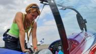 Mélanie Astles ist die einzige Pilotin beim Red Bull Air Race