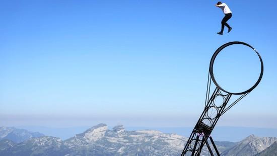 Waghalsige Stunts in den Schweizer Alpen