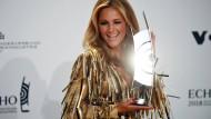 Helene Fischer mit einem ihrer bisher 17 Echo-Auszeichnungen