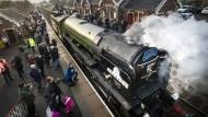 Britischer Dampfzug fährt wieder nach Fahrplan