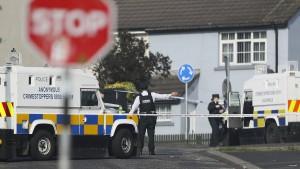 Nordirische Polizei nimmt zwei Verdächtige fest