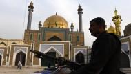 Mehr als 70 Tote bei Selbstmordanschlag auf Schrein