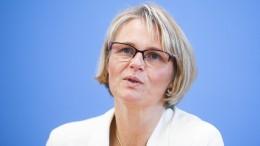 Forschungsministerin Karliczek über Förderprogramme