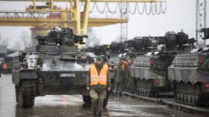 Opposition gegen steigende Verteidigungsausgaben